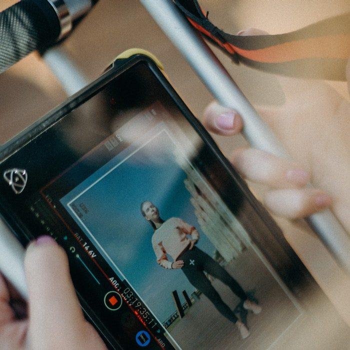 black-tablet-computer-displaying-woman-2774168